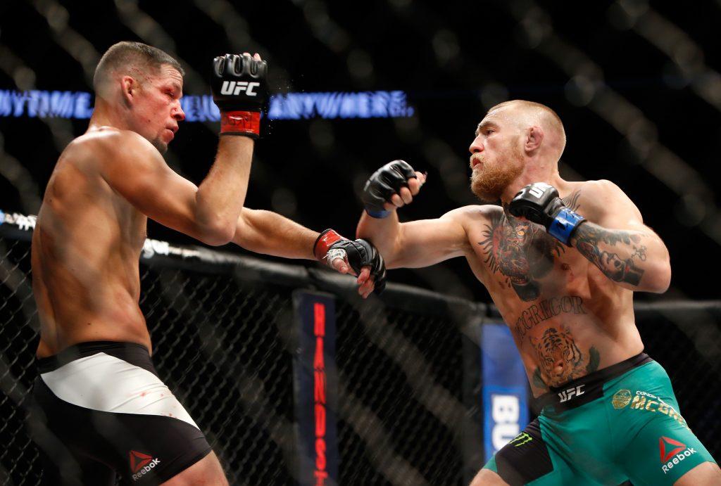Conor McGregor trở lại đối đầu với Donald Cerrone ở Welterweight