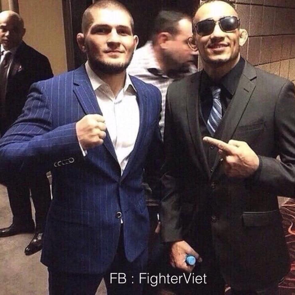 Nhà vô địch UFC hạng nhẹ Khabib Nurmagomedov và những bức ảnh hiếm hoi